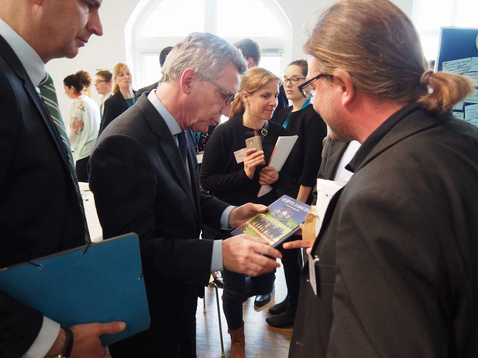 Innenminister Thomas de Maizière und der G7 Elmau Bildband