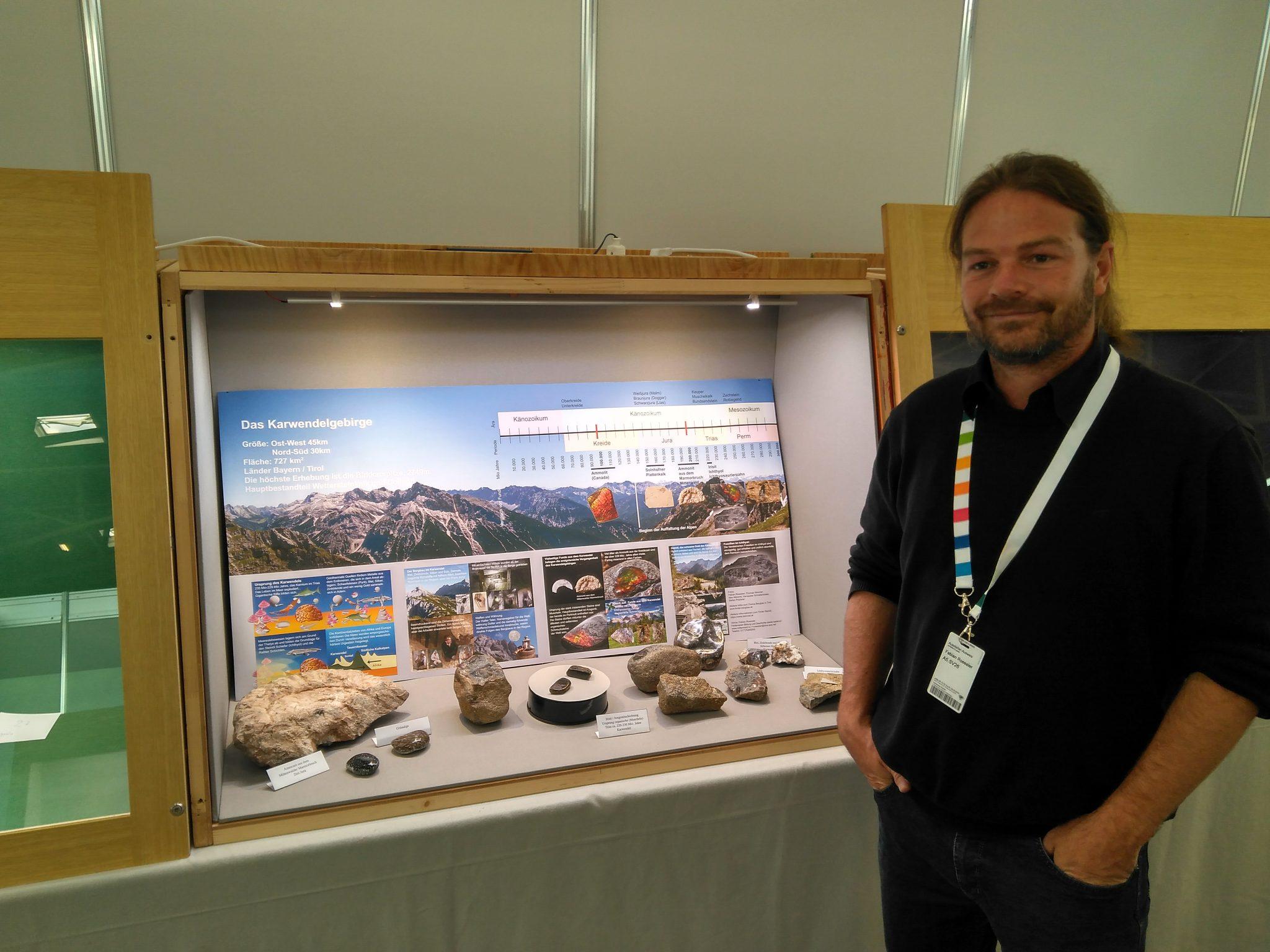 Vitrine auf den Mineralientagen München 2018