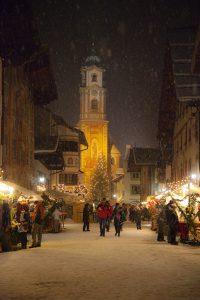 Mittenwalder Obermarkt an Weihnachten