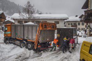 Die Post schiebt UPS Gemeinsam mit der Müllabfuhr aus dem Matsch